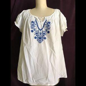 IZOD White/blue blouse XL